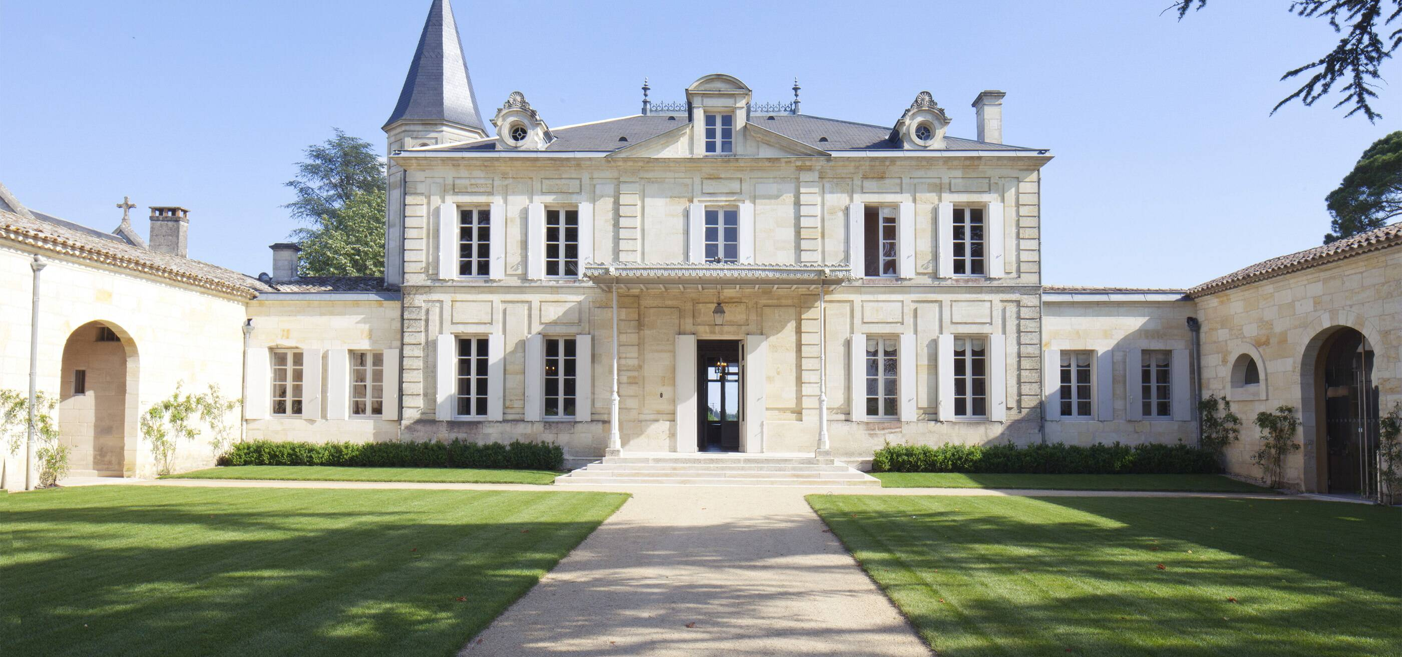Ch teau cheval blanc wines of bordeaux wines spirits for Chateau homes
