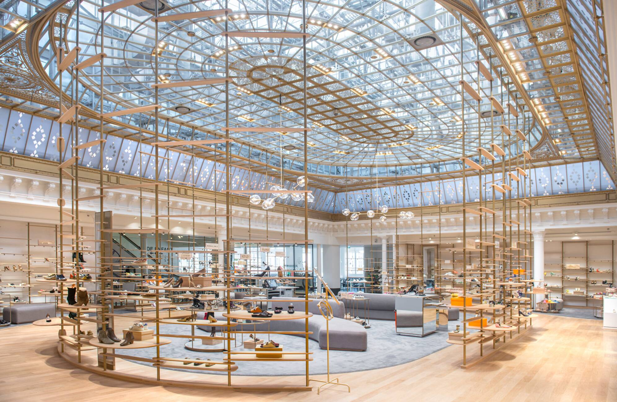 Le bon march parisian department store selective for Dep design interieur