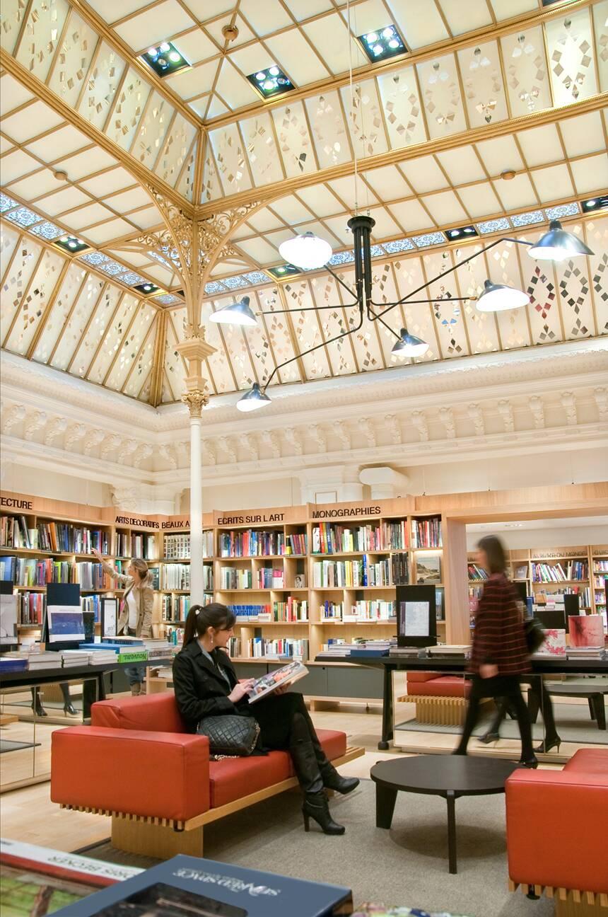 Le bon march grand magasin parisien distribution s lective lvmh - Le bon marche luminaires ...