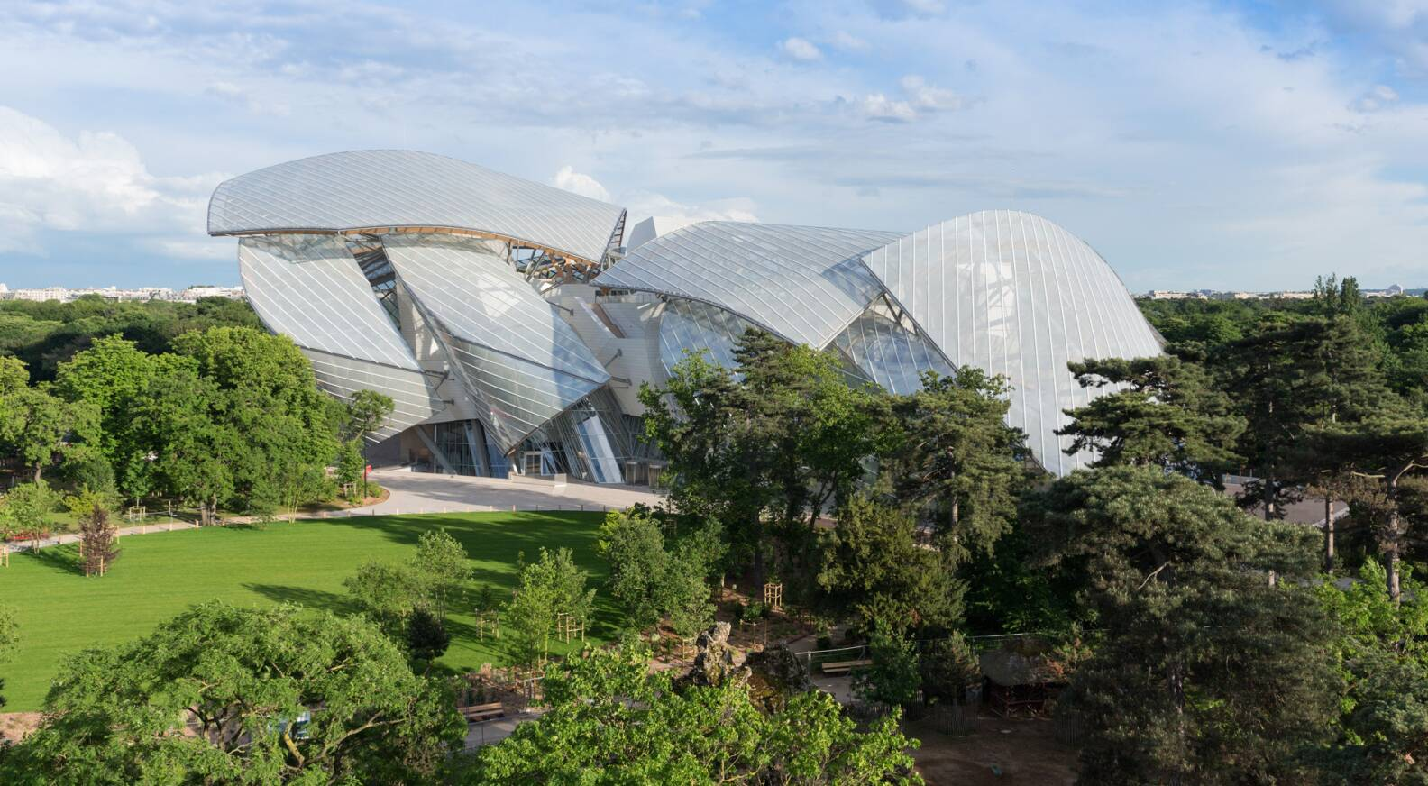 Opening date of the Fondation Louis Vuitton - LVMH