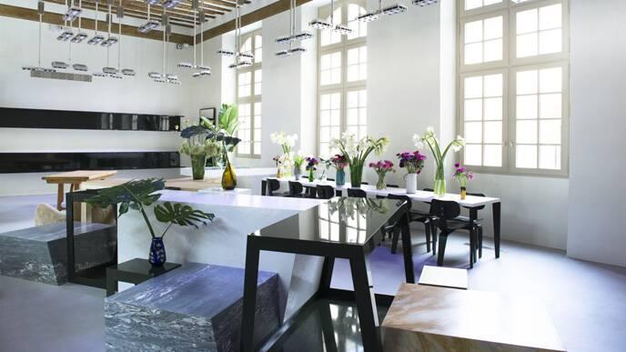 le nouveau si ge de c line lvmh. Black Bedroom Furniture Sets. Home Design Ideas