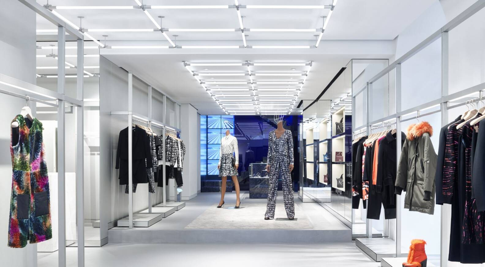8b2eaf79a0ab Kenzo launches new store concept - LVMH