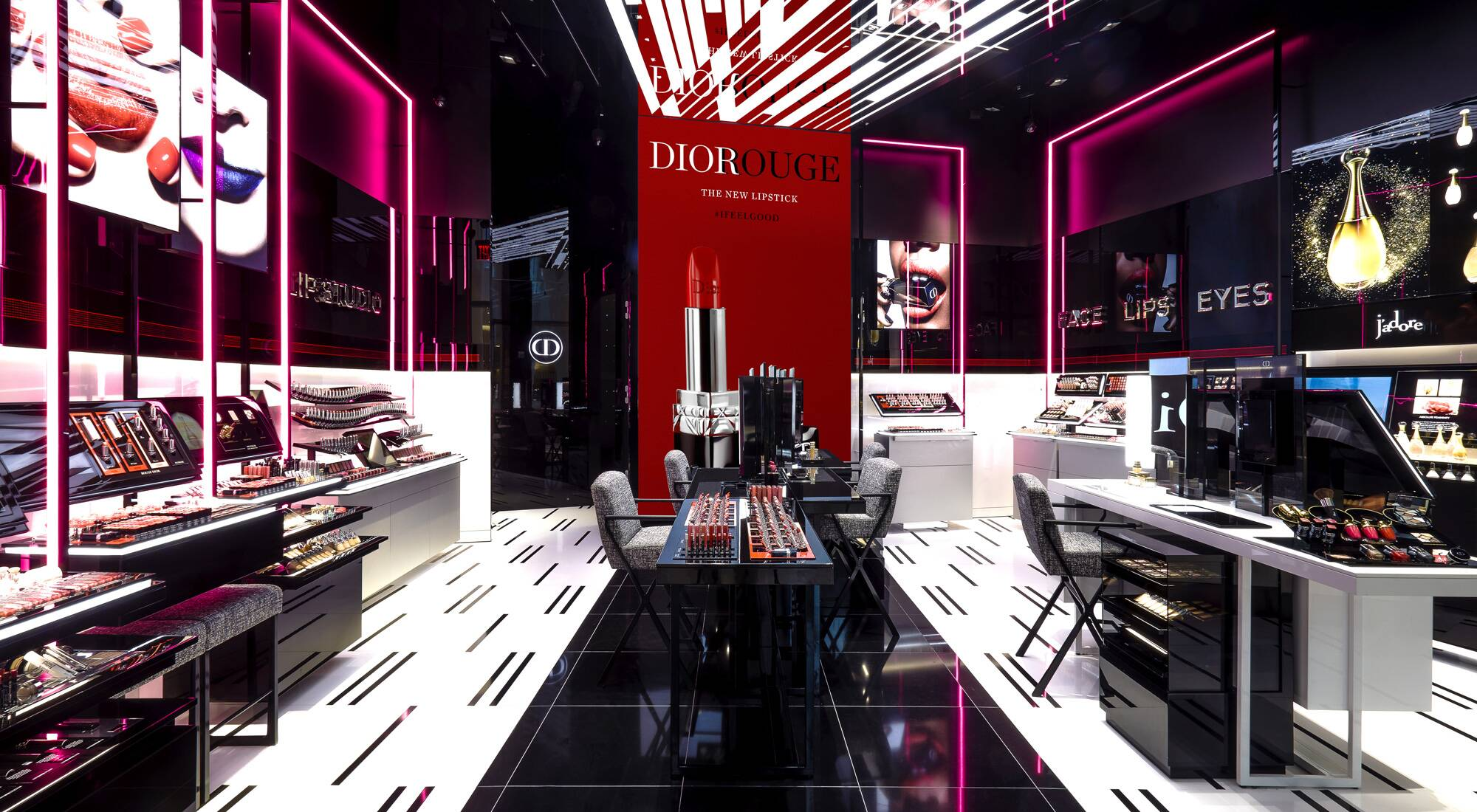 New dior makeup boutique lights up new york lvmh for Boutique center