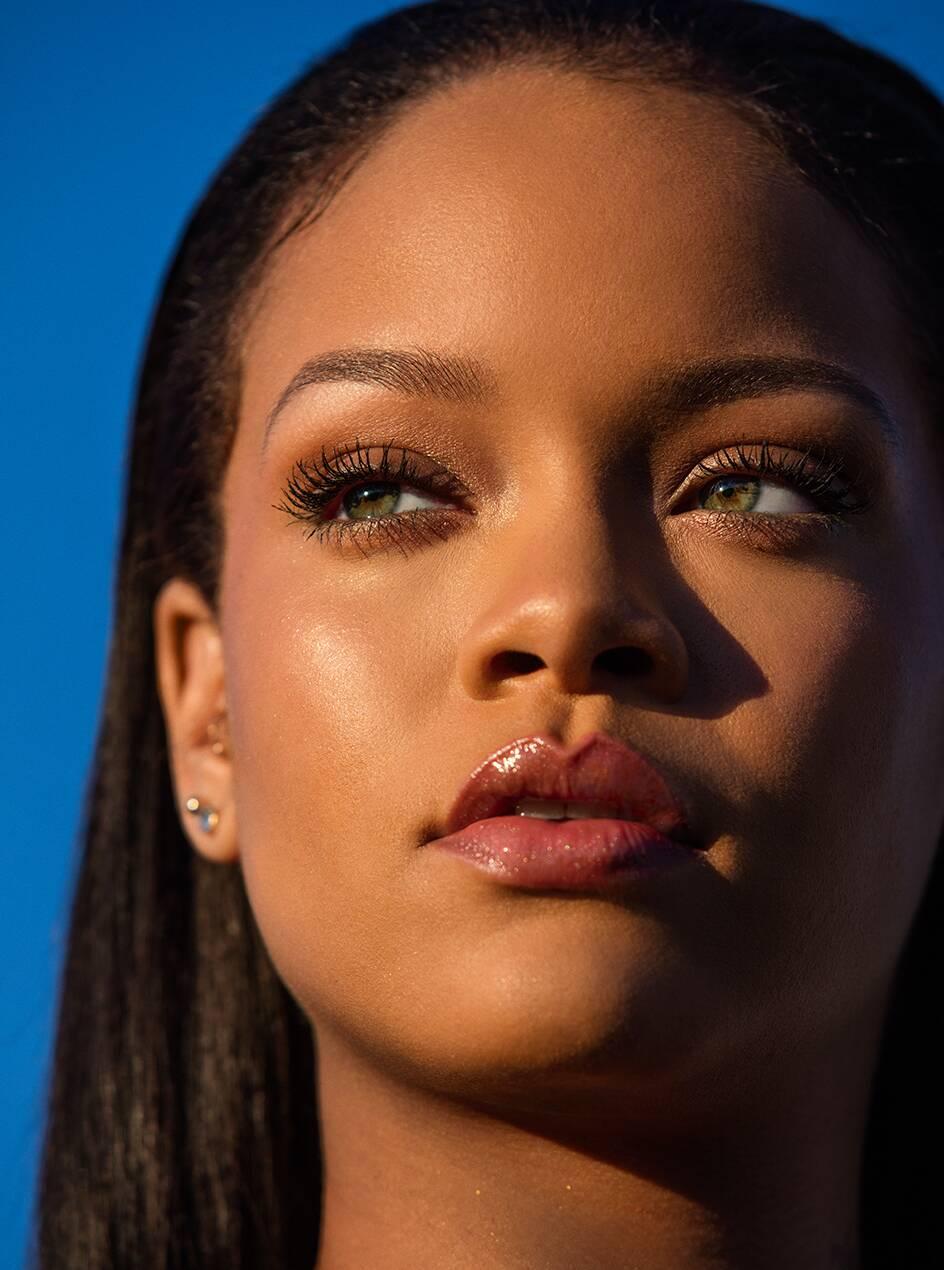 Rihanna Nude Photos 3